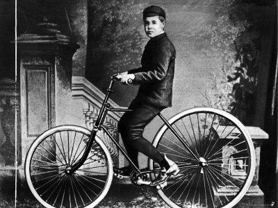 John Boyd Dunlops son på hans cykel