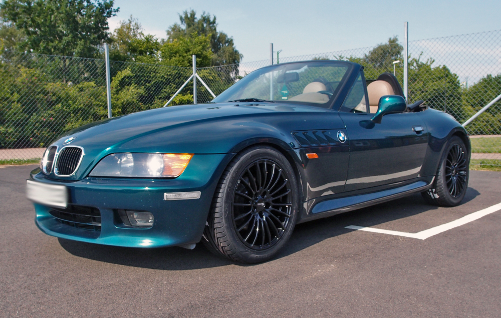 Brock B24 Black på en BMW Z3