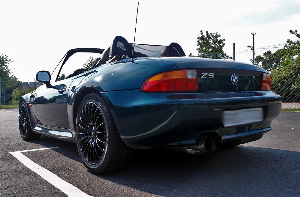 BMW Z3 utrustad med Brock B24 Black