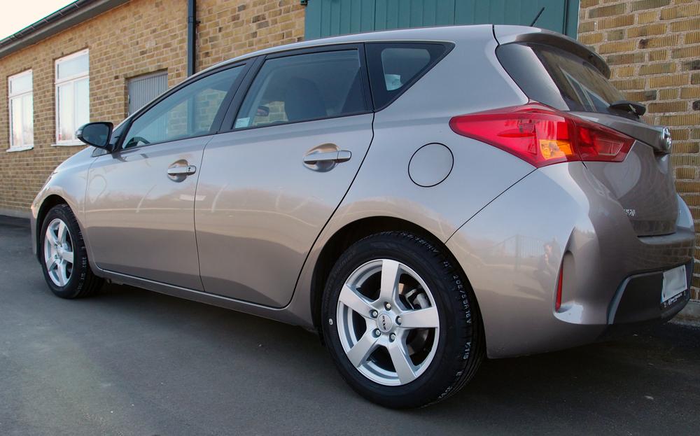 Toyota Auris utrustad med Oxxo Santa
